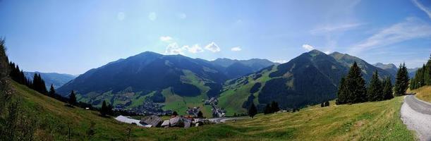 panorama de paysage de montagne photo