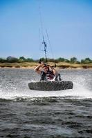 kitesurfeur en mer noire photo