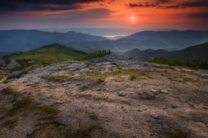 paysage de plateau de montagne du matin photo