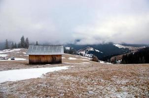 paysage de montagne calme d'hiver photo