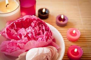 fleurs et bougies d'aromathérapie, paysage photo