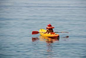 kid kayaking premières leçons photo