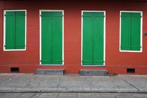symétrie: mur de la maison photo