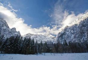 montagnes en hiver photo