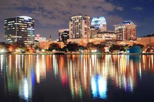 crépuscule du centre-ville d'Orlando photo