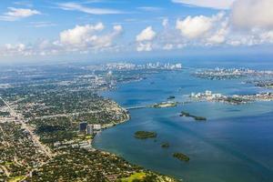 vue plongeante sur la côte de miami photo