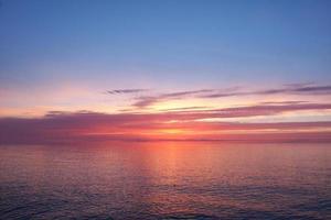 coucher de soleil sur le lac supérieur photo
