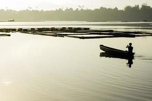 pêche au lac tôt photo