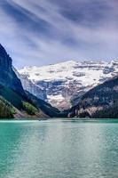 mt victoria sur le lac louise, alberta, canada photo