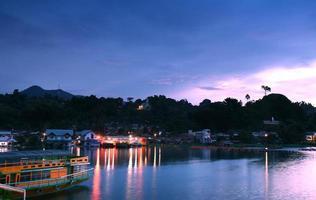 lever du soleil du lac toba