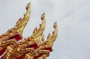 temple de style nordique grand serpent thaïlandais,