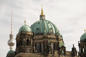 Cathédrale de Berlin et la tour de télévision, Allemagne photo