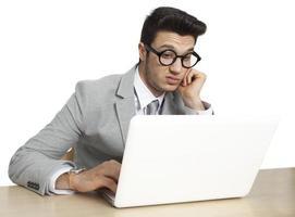homme d'affaires inquiet dans le stress photo
