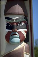 totem indien face
