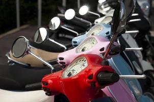 ligne de cyclomoteurs / scooters photo