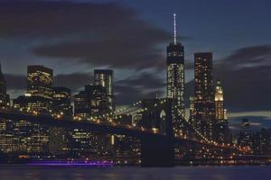 lumières vives, nuits en ville photo