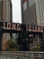 le signe de la ville de long island photo