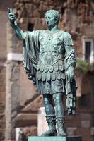 statue caesari nervae augustus, rome, italie