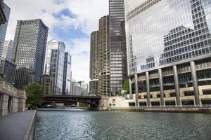 usa - illinois - chicago, chicago river skyline
