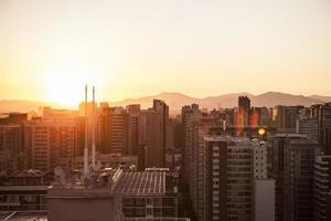 beau coucher de soleil à santiago, chili photo
