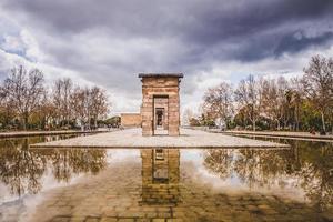 debod temple madrid photo