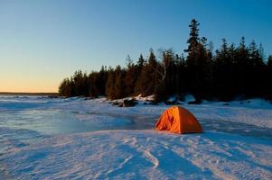 lever du soleil sur le lac huron photo