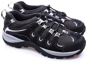 paire de chaussures de tennis de randonnée enfant. photo