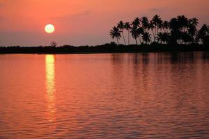 coucher de soleil tropical photo
