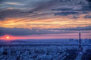 coucher de soleil sur paris photo