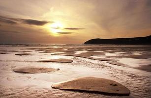coucher de soleil plage croyde.