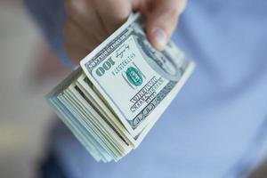 argent en main photo