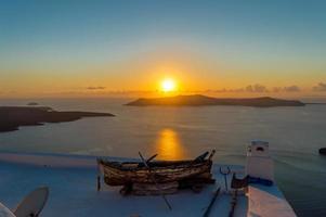 coucher de soleil à santorin photo