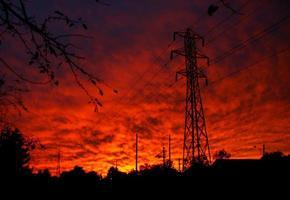 pylône électrique coucher de soleil