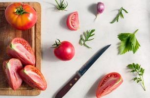Vue de dessus de motif de légumes frais photo