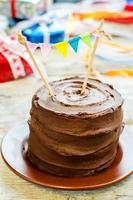 gâteau d'anniversaire au chocolat photo
