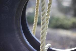 balançoire pneu bouchent photo