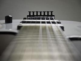gros plan de guitare.