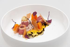 magret de canard - pomme - carotte photo