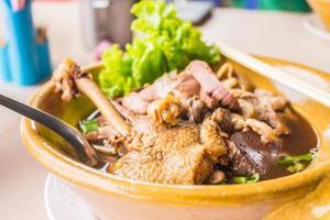 soupe de nouilles au canard photo