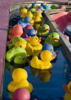 jeu de canards en caoutchouc photo