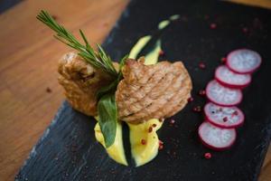 steak de dinde grillé photo