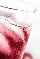 cocktail de raisins sur blanc / cocktail de raisins