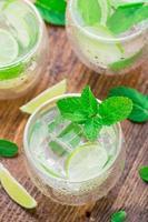 cocktail au citron vert et menthe