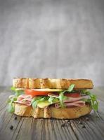 sandwich de charcuterie photo