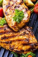 poitrine de poulet grillée en différentes variantes