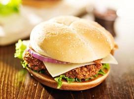 sandwich au poulet croustillant au bacon photo