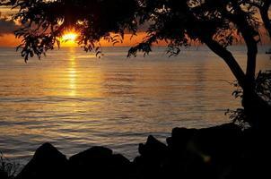 mer au coucher du soleil photo