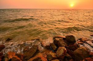 paysage marin au coucher du soleil fond