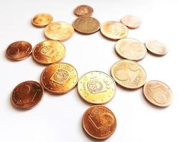 soleil de l'argent - pièces en euros en cuivre photo