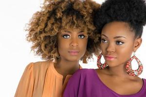 deux, femme, afro, cheveux